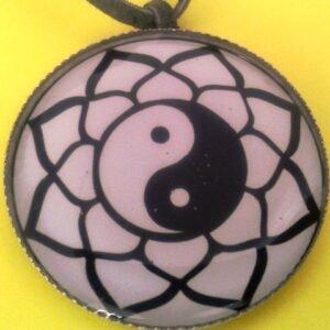 Mandalový amulet harmonie